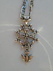 Huguenot Cross:    295/365 (amandabhslater) Tags: huguenot cross jewellery silver chain 2018aphotographicdiary edictofnantes protestant
