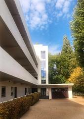 Bauhaus in Belsize (marc.barrot) Tags: modernist façade building architecture marcelbreuer waltergropius wellscoates uk nw3 london hampstead belsizepark isokonflats