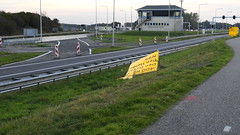 DSCN8835 (DutchRoadMovies) Tags: stevinsluizen afsluitdijk den oever a7 rijksweg ijsselmeer waddenzee bridge lake freeway motorway water sea locks