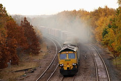 Are You Being Followed.... (marcus.45111) Tags: 4e91 class66 66554 freightliner train railway clag gm moderntraction 2018 treeton autumn