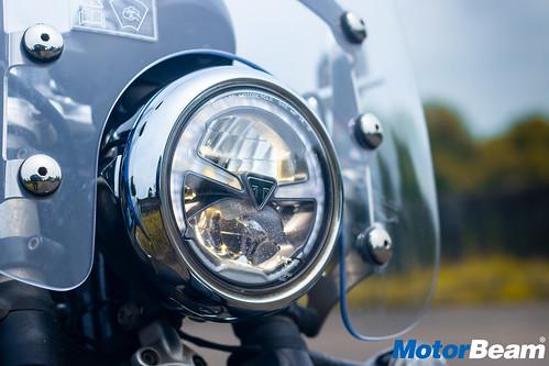 Triumph-Bonneville-Speedmaster-20