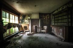 Maison moule (Der Hamlet) Tags: maison herrenhaus ofen schimmel marode verlassen decay abandoned urbex belgium