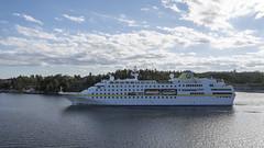 Hamburg (zTomten) Tags: hamburg båtar fartyg boat ship passenger cruise kryssningsfartyg passagerarfartyg