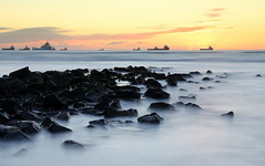 Contrast (PeskyMesky) Tags: aberdeen aberdeenbeach longexposure water sea ocean rock sunrise sunset canon canon6d leefilter littlestopper
