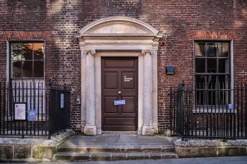 HENRIETTA STREET [WAS ONE OF THE WEALTHIEST STREETS IN THE BRITISH EMPIRE]-144923