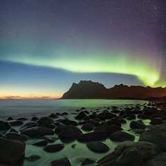 Pale Green Ghosts (Andrew G Robertson) Tags: uttakleiv beach aurora borealis northern lights norway norge lofoten islands sigma art 20mm f14