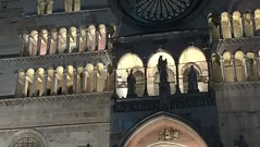 simple minds (g.zoe) Tags: statue rosone cattedrale archi luci crepuscolo