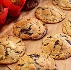 Breakfast ✅ lunch ✅ dinner ✅ 🍪🍪🍪 #cookielife 😎 . #bombompatisserie #mondaymotivation #lborofamily #chocchip (bombompatisserie) Tags: loughborough cake cafe bom patisserie