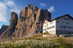 Rifugio Pisciadù (Bergfex_Tirol) Tags: bergfex tirol wanderung dolomites dolomiti hike gebirge alps alpen tyrol sella südtirol italien alpinism italy alpes dolomiten mountain daybreak sunrise morgen sunup dawn pisciadù hut hütte sonnenaufgang rifugio