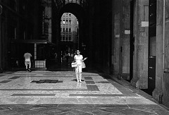 Untitled (Domenico Pescosolido) Tags: people city milan street streetphotography bw bianconero leica trix walking woman