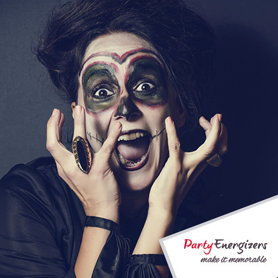 Create memorable moment in Halloween party with photo booth