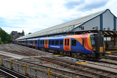 South Western Railway Desiro 450110 (Will Swain) Tags: wareham 13th may 2018 clapham junction station train trains rail railway railways transport travel uk britain vehicle vehicles england english swr class desiro south western 450110 450 110