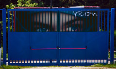 36 (marcomarchetto956) Tags: eyes explore gate compo composition blue