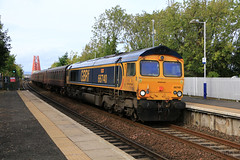 66740 on 5Z68 Aberden to Bo'ness (60044) Tags: gbrf gbrailfreight great britain rail freight train trains class 66 66740 sarah jt42 cwr forth birdge dalmeny edinburgh boness srps preservation coach coaches mk1 ecs 5z68 aberdeen firth scotland scenery flickr explore colours photo photography network