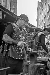 Mercado medieval Vitoria-Gasteiz (Alberto Cabello Mayero) Tags: mercadomedieval merado medieval vitoriagasteiz vitoria retrato portr blan blackandwhite