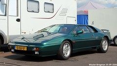 Lotus Esprit Turbo ES 1990 (XBXG) Tags: 13gsdt lotus esprit turbo es 1990 lotusesprit coupé coupe green vert historic grand prix 2018 circuit park zandvoort cpz race track motorsport nederland holland netherlands paysbas youngtimer old classic british car auto automobile voiture ancienne anglaise brits uk vehicle outdoor