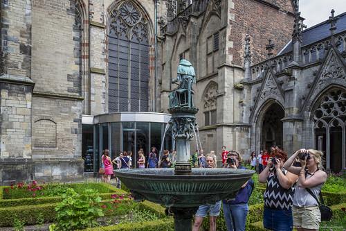 2018_10_03 - (20140607) - 112806 - _MG_0144 - Utrecht, Museumkwartier (NL) - Canon EOS 7D -  EF-S10-22mm f-3.5-4.5 USM - 1-30 sec. bij f - 9,0 - 16 mm - ISO 100_DxOVP_Noiseless-bewerkt