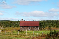 Grange, Beauce, QC (Eve-Marie Roy) Tags: evemarieroy costard ferme farm grange barn cabane shack bâtiment building village rurale rural campagne country countryside old quebec canada beauce chaudiereappalache