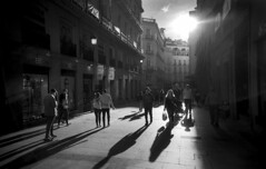 Madrid (Dave.Miles) Tags: madrid olympus olympusom10 zuiko 24mmzuiko 24mmlens redfilter fp4plus ilford ilfordfp4plus ilfotecddx shadows autumn spain