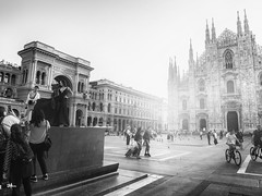 Milano morning (un2112) Tags: duomodimilano italy milano olaszorszã¡g church streetphoto templom bw blackandwhite monochrome fashionweek woman girl september olaszország samyang12mm