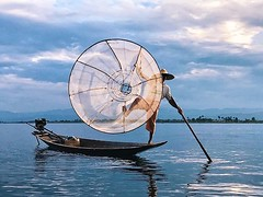 Leg-rowing fisherman-the icon of Inle Lake, #myanmar . . . . . #sweetsnesday #aspfeatures #myspc #fisheyelemag #spicollective #life_is_street #vsco #vscocam #snapseed #streetphotography #lensculture #travel #photostory #challengerstreets #zonestreet #ours (AnsonRuk) Tags: ifttt instagram