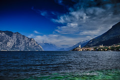 Malcesine-Gardasee (Wolfgang's digital photography) Tags: gardasee nikond5300 burg malcesine italien venetien blau wolken
