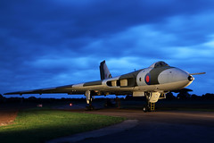 Timeline Events - Wellesbounre (Andrew Edkins) Tags: vulcan avro bomber xm655 raf coldwar geotagged wellesbourne airfield canon october 2018 autumn light photoshoot aviation timelineevents warwickshire england uk