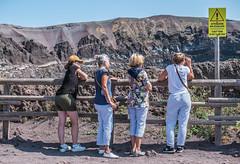 Vesuvio, Italy (FedeSK8) Tags: campania fedesk8 federicoscottophotography fujifilmxm1 italia italy fedescotto ercolano tourists people vesuvio cratere scursion warning plate