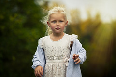 Jolin (martinyasmine) Tags: bl㥠autumn fall children girl cute blond iris playing childhood sunrays