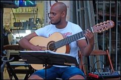 Guitare à sert cordes (wilphid) Tags: dosesonora choro chorinho musique musiciens riovermelho salvador bahia brasil brésil rue personnes spectacle show concert