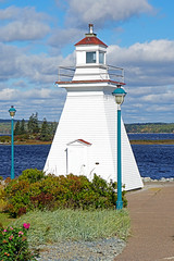 DSC03350 - Port Medway Lighthouse (archer10 (Dennis) 196M Views) Tags: sony a6300 ilce6300 18200mm 1650mm mirrorless free freepicture archer10 dennis jarvis dennisgjarvis dennisjarvis iamcanadian novascotia canada lighthouseroute southshore portmedway