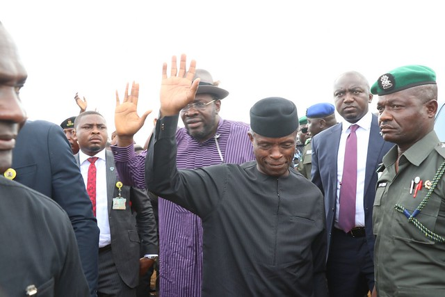 HSDickson - V P, H.E Prof Yemi Osinbajo, Visit IDP Camps of Flood Victims in Bayelsa State. 19th Oct 2018