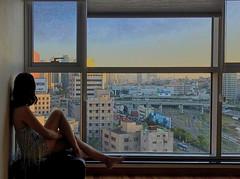 서울역 (ifaw_yc) Tags: seoul korea station indoor dress girl portrait window sunset city cityview scape room sky 서울 한국 서울역 저녁 urbanseoul
