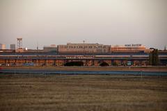 Der Flughafen Tempelhof kurz nach Sonnenaufgang 25.9.2018 (rieblinga) Tags: berlin thf flughafen tempelhof kurz nach sonnenaufgang rosinenbomber sigma 150600mm dg c 2592018