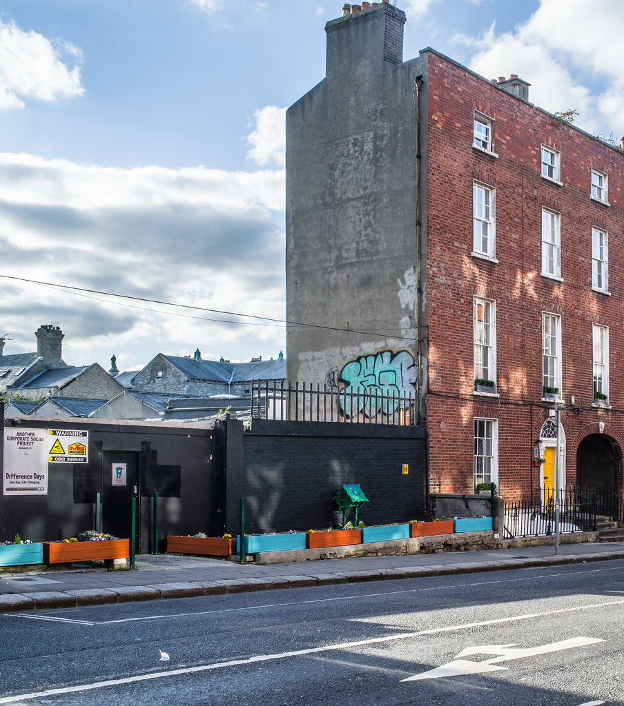 HUGH'S HOUSE AND GARDEN [43 BELVEDERE PLACE DUBLIN]-144896