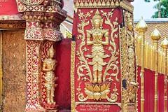 Wat Phrathat Doi Suthep .. Chiang Mai (geolis06) Tags: geolis06 asia asie thaïlande olympus chiangmai doisuthep watphrathatdoisuthep bouddhisme bouddha buddhism religion pilgrim pélerin prière prayer statuev olympusem5 lotus flower fleur