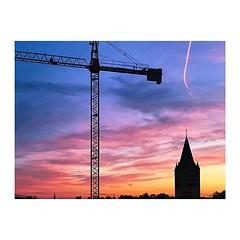 Sundowner #vscocam #vsco #goldenoctober #blueorange #blau #orange #sonnenuntergang #sunset #kran #kirchturm #köln #cologne