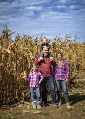 Éowyn_&_Logan_Year2_and_9_0015 (Andrew d'Entremont) Tags: family photo fall autumn corn maze blue sky clouds plaid kids kid toddler boy girl man woman blond blonde