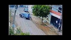 El impactante momento en que una niña de 13 años atropella a un ciclista ¡y sale vivo! (HUNI GAMING) Tags: el impactante momento en que una niña de 13 años atropella un ciclista ¡y sale vivo