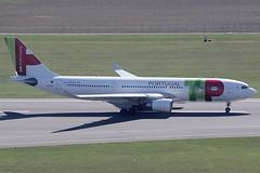TAP Air Portugal Airbus 330-202 CS-TOO (c/n 914) (Manfred Saitz) Tags: vienna airport schwechat vie loww flughafen wien tap air portugal airbus 330200 332 a332 cstoo csreg