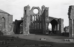 Elgin cathedral, Scotland (AJH_1) Tags: kodak tmax 400 35mm olmypus om1 50mm september 2018 scotland monochrome bw blackandwhite elgin cathedral highlands