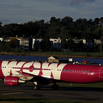 WOW air / Airbus A321-211 / TF-KID thumbnail