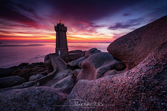 Fire Lights (Fernando 75) Tags: bretagne breizh côte granit rose france tourism ploumanach fujifilm xt2 fujinon 1024 nisi côtedarmor perrosguirec light sunset color britain rocher lighthouse ocean phare rocks sea water wallpaper travel clouds brittany sky summer sun