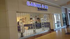 Cincinnati Mills 2018 - 23 (Doomie Grunt) Tags: dead mall shopping cincinnati mills superdead depressing empty vacant babies r us