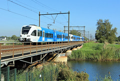 Arriva 514+518+521 @ Zwolle (Sicco Dierdorp) Tags: arriva vechtdallijnen blauwnet emmerlijn gtw spurt serie10500 serie500 zwolle brug wetering herfte dalfsen