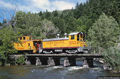 Wildwood Trestle (jamesbelmont) Tags: unionpacific hebervalleyrailroad emd nw2 caboose ca3 wildwoodtrestle provocanyon utah provoriver tourist passenger drgw provocanyonbranch