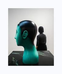 Les vases communicants (hélène chantemerle) Tags: art expositions fiac nicolasparty sculpture visiteuse femme exhibition woman visitor black green