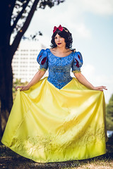 SP_84963 (Patcave) Tags: awa 2018 awa2018 anime weekend atlanta animeweekendatlanta galleria waverly renaissance hotel cosplay cosplayer cosplayers costume costumers costumes shot comics comic book scifi fantasy movie film disney snow white animation