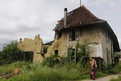 Dépisétion (Jay/Be) Tags: grass house maison waste débris pisé ruine savoie glaise clay wild nature toit roof tuile tile