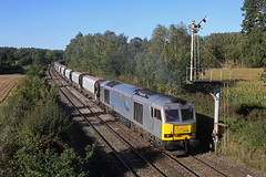 60066 Plumley West 28th September 2018 (John Eyres) Tags: 66066 getting away from signal check plumley west working 6h02 arpley tunstead sidings stone empties 280918